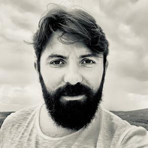 Dr. Türker TOKER